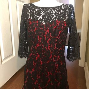 Stunning milly lace cocktail dress! Size 6!